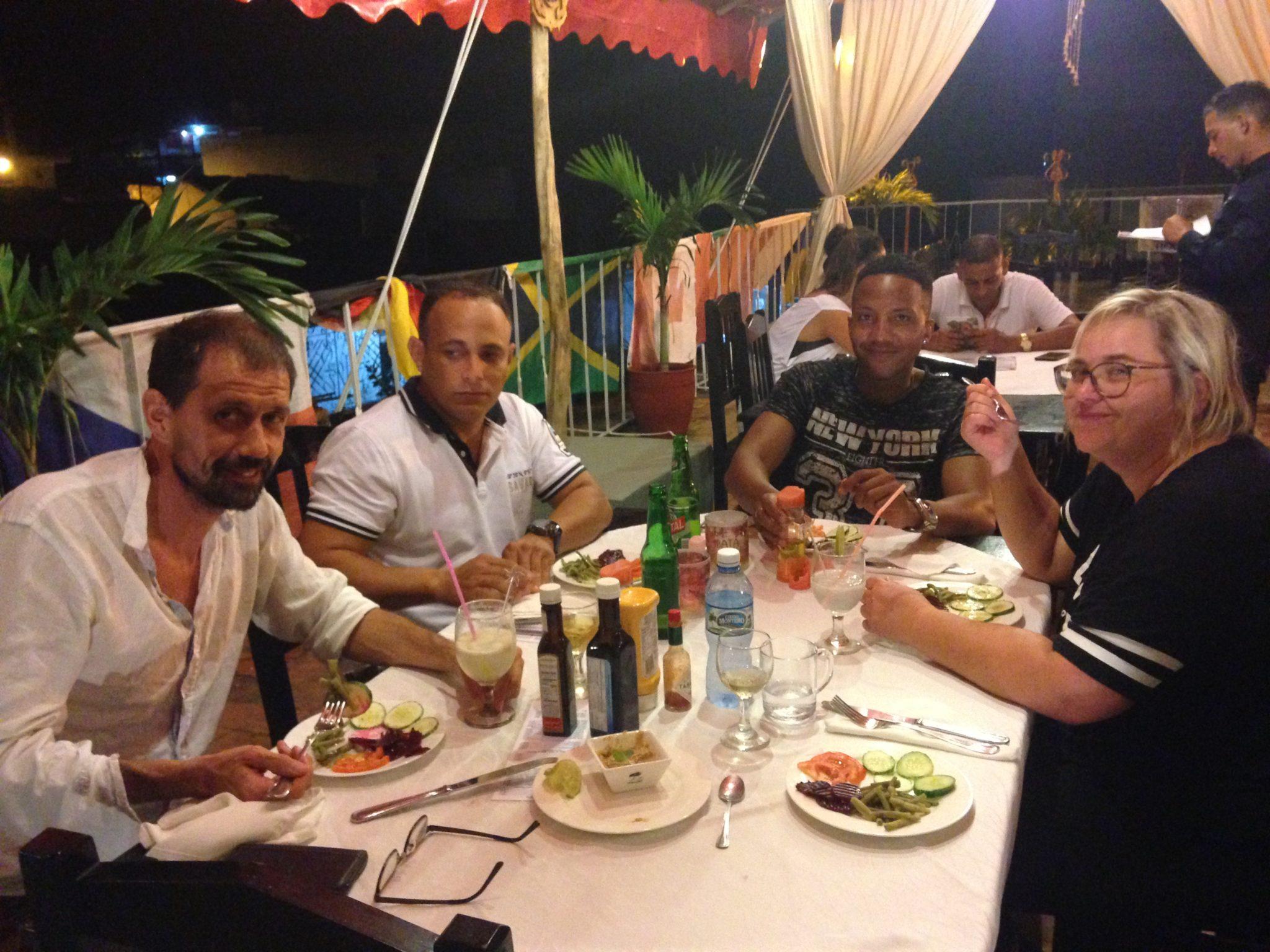 Abendessen in Cienfuegos