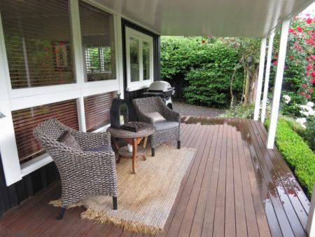 bradleys garden b&b, veranda
