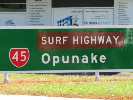Strassenschild Surf Highway