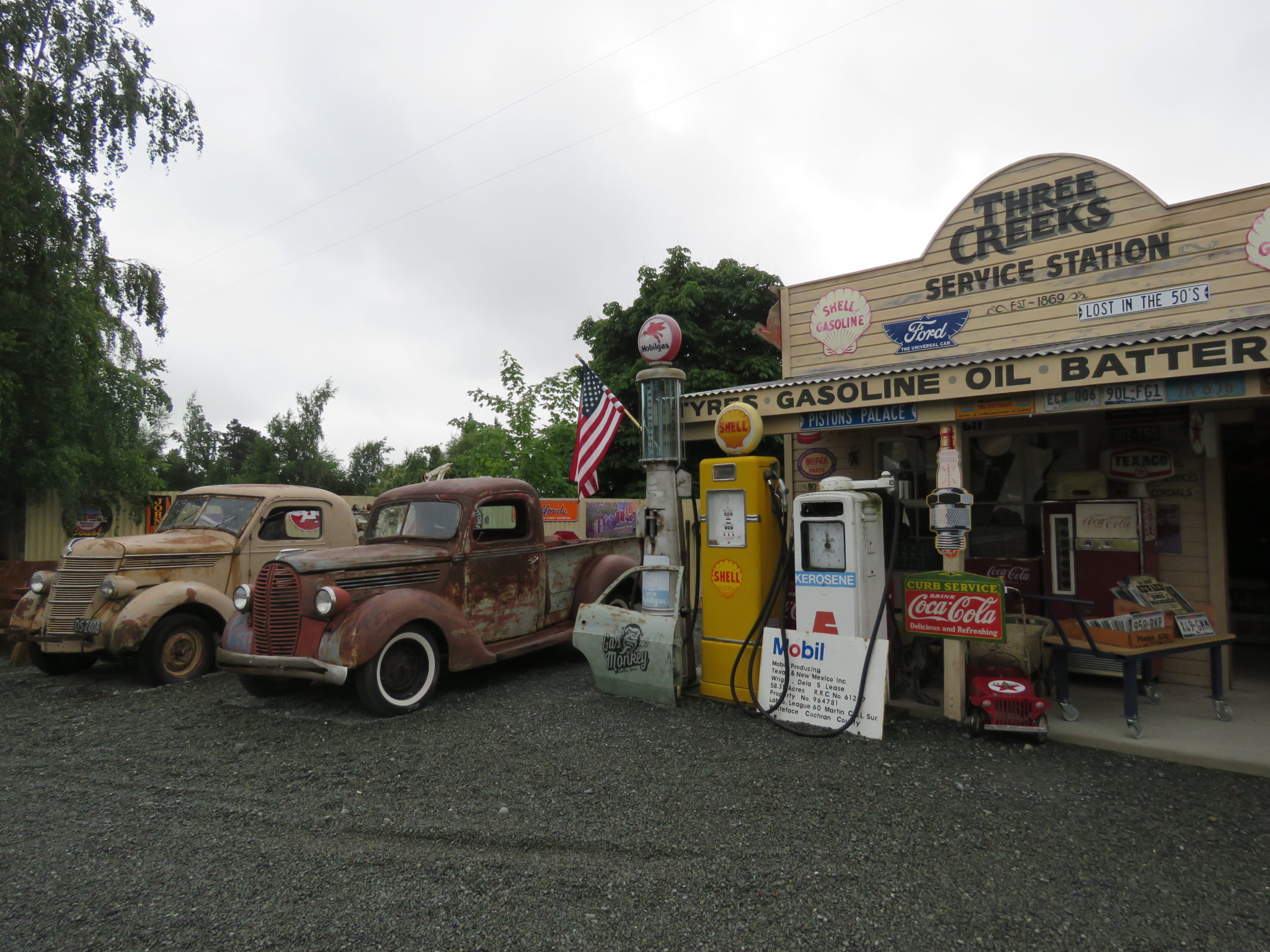 Tree Creeks Service Station