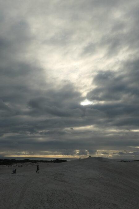 Grimmiges Wetter bei den Sanddünen von Lancelin West Australien