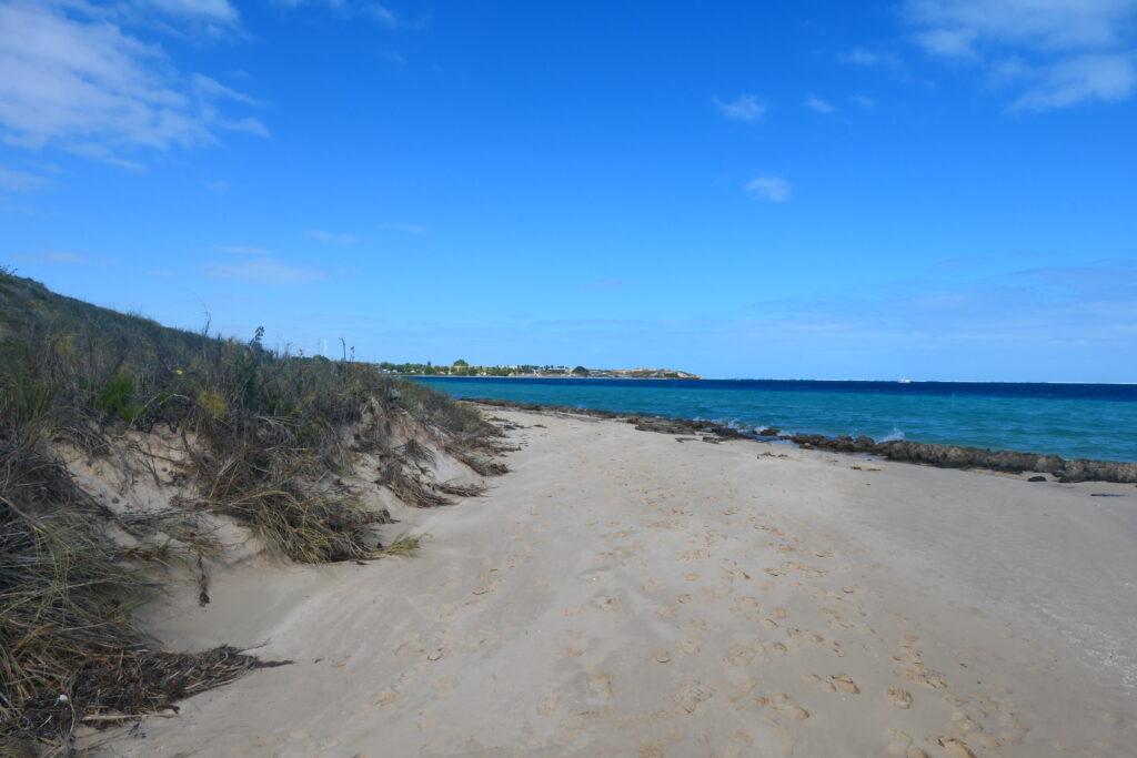 Spaziergang zur Skeleton Bay Coral Bay
