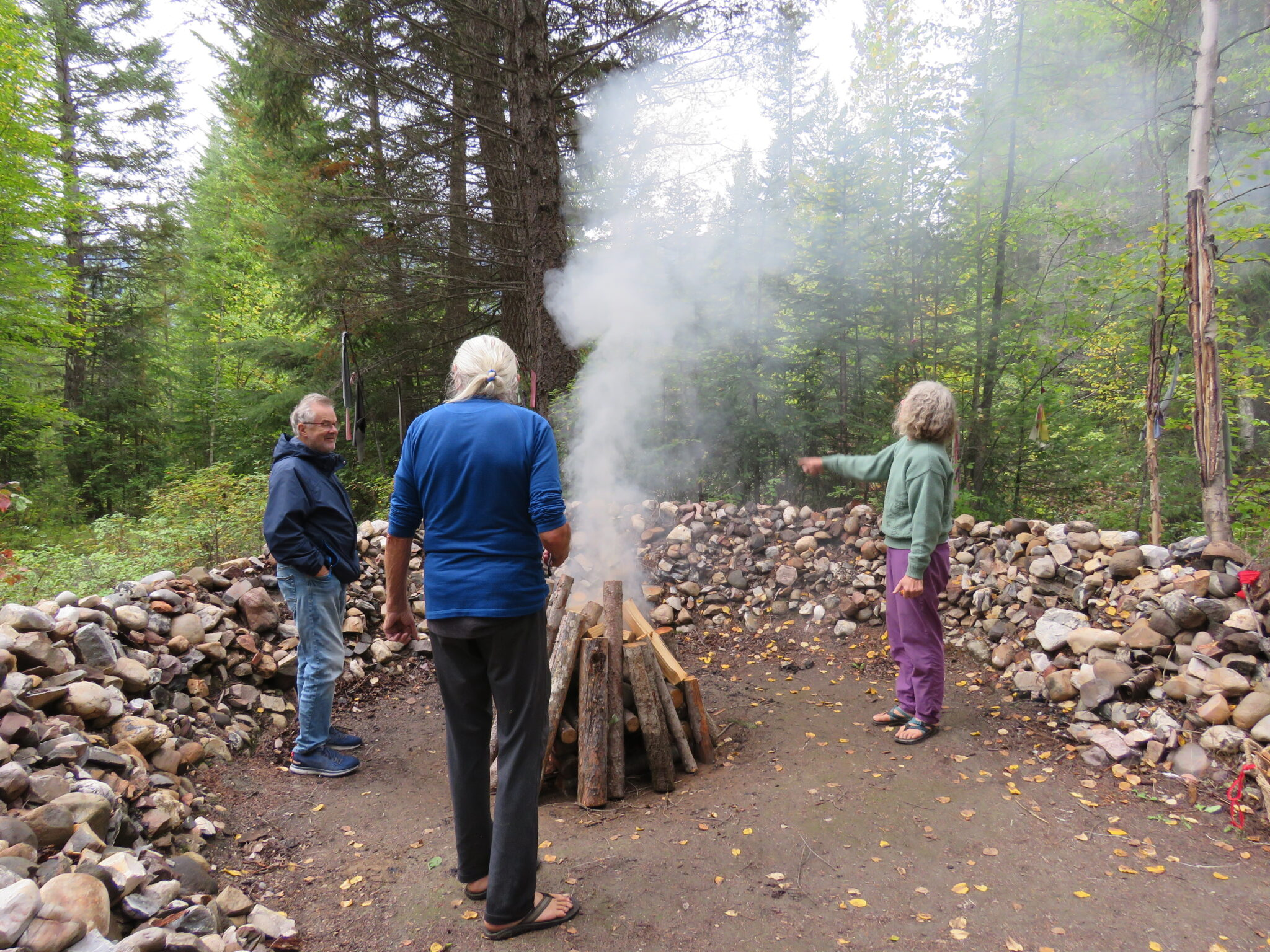 Feuer zur Schwitzhütte