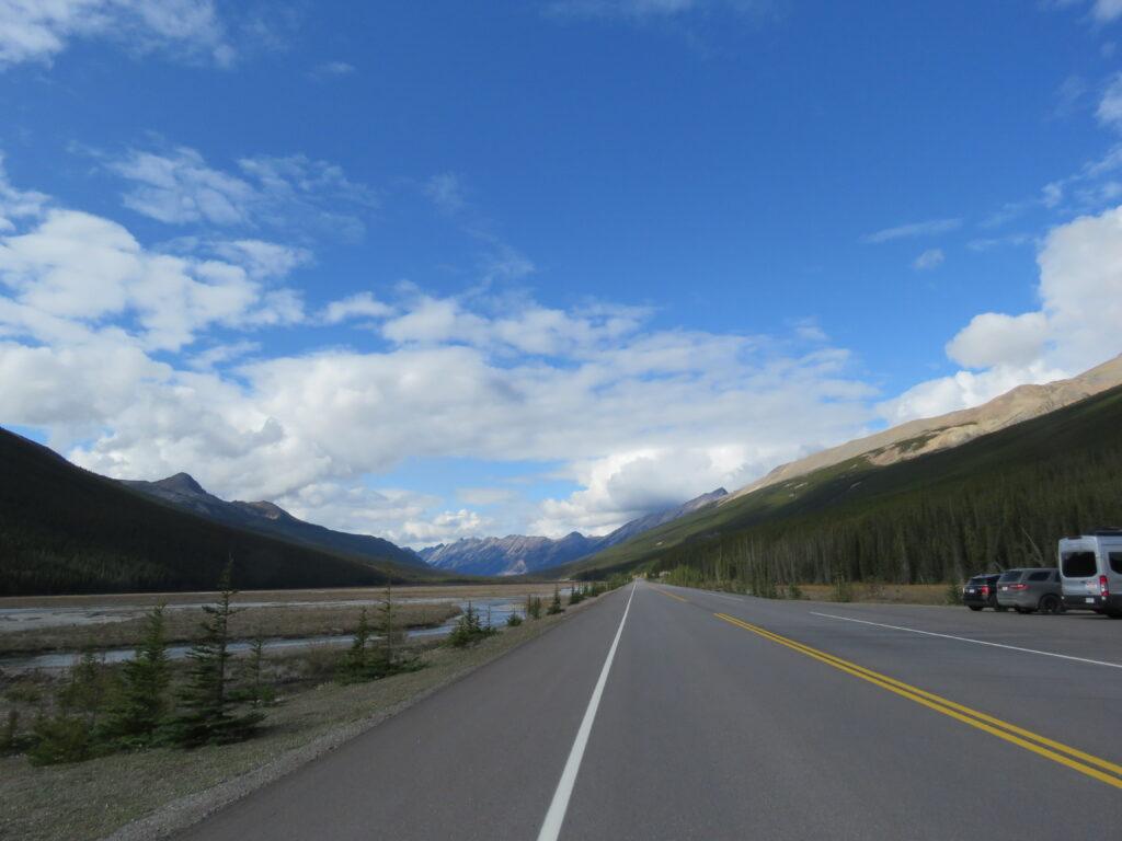 Fahrt durch die Rockies in West Kanada - Parkplatz