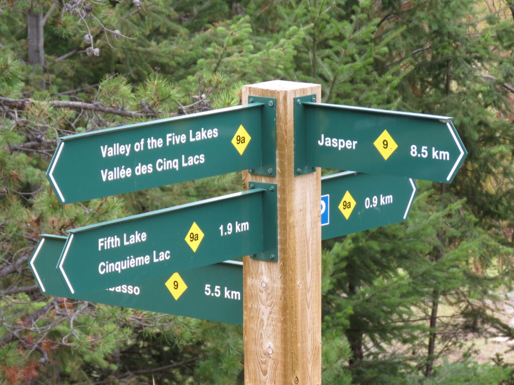Jasper - Info-Wegweiser - Valley of the Five Lakes